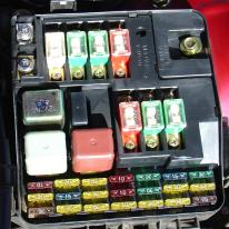 automotive power centers fuses and relays rh aa1car com automobile fuses and relays automotive fuse and relay holder
